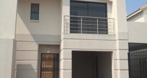 Phakalane. 3 Bed Townhouse for Rent.