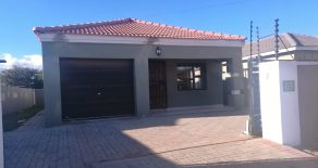 Block 7. 3 Bed House for Rent.