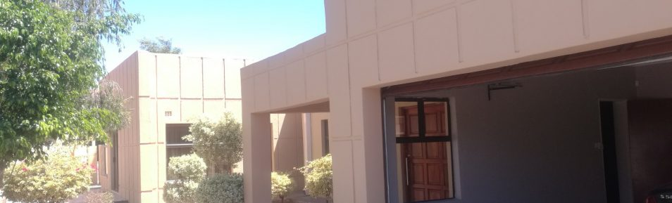 Block 8. 3-Bed House for Rent.