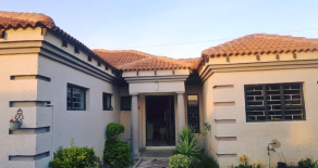 BLOCK 10. 3 Bedroom House for Sale.