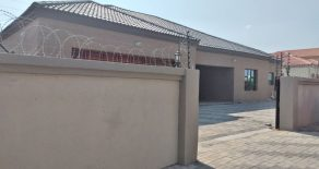 Gaborone. Tsholofelo East. -Beds House for Sale.