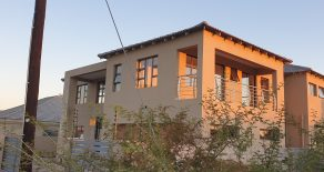 Gaborone. Gaborone North. 5- Beds House For Rent.