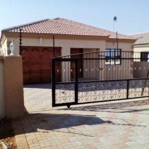 3 Bed House for Sale. Tsholofelo East. Gaborone.