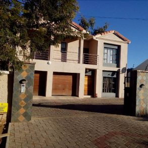 Maruapula, Gaborone. 4-Bed Townhouse for Rent.