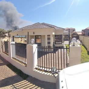 Gaborone. Phakalane Thobo Homlet. 4 Beds House For Sale.