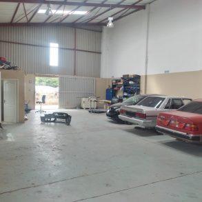 Warehouse For Sale. Tlokweng.